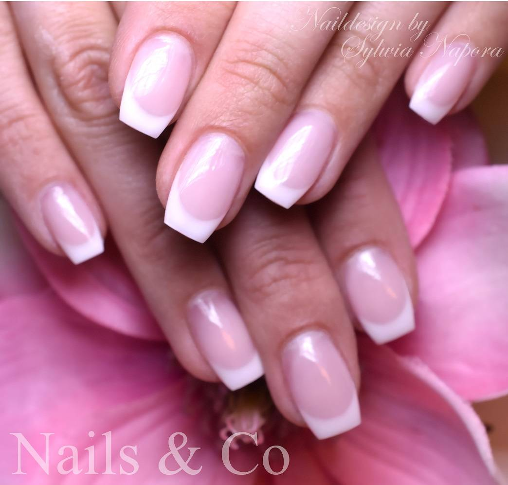 French Nails, Nageldesign, Nagelstudio Kaarst