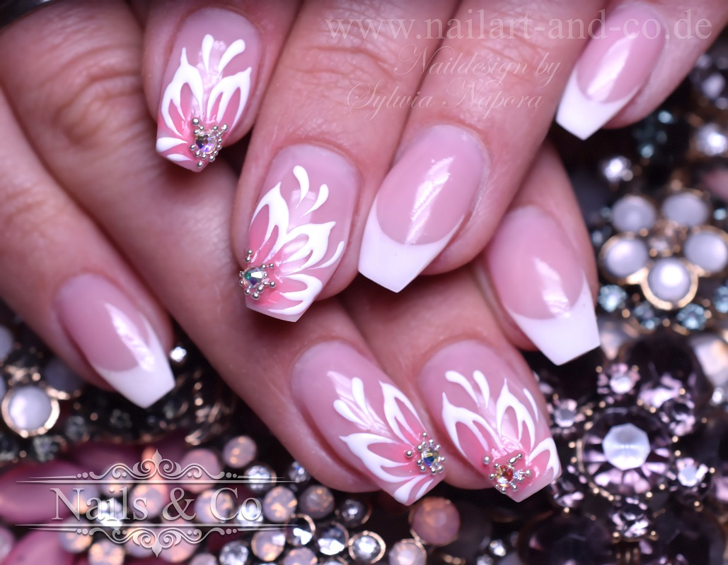 Frühlings Nägel, Nail Art, Nageldesign, Nagelstudio Kaarst